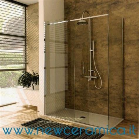 cabina doccia in cristallo doccia in cristallo trasparente raccordi tubi innocenti