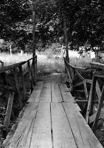 Petit Pont En Bois : un petit pont en bois en noir et blanc image stock image 41419543 ~ Melissatoandfro.com Idées de Décoration