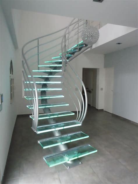 un tr 233 s bel escalier en metal et verre mohandis