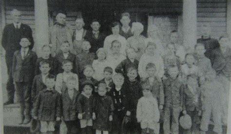 delaplaine school