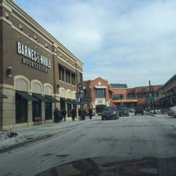 Barnes Noble Milwaukee by Barnes Noble 16 Reviews Bookstores 5755 N Bayshore
