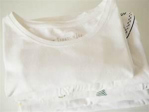 Marie Kondo Kleidung Falten : t shirt zusammenlegen in perfektion was kann das faltbrett ordnungsliebe ~ Bigdaddyawards.com Haus und Dekorationen