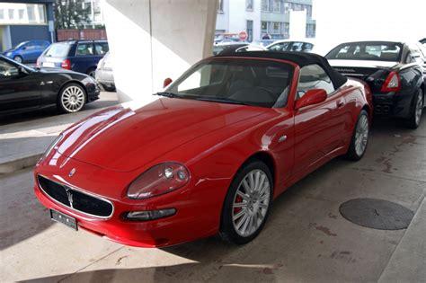 Maserati Cabrio Vor Eine Garage In Basel Die Aufnahme