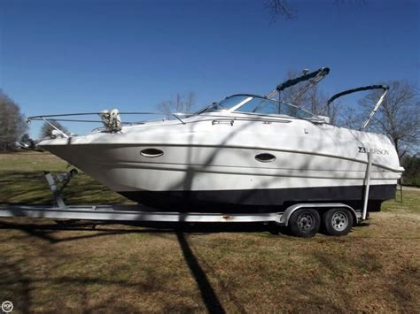 Xpress Boat Dealers In Ms by 1996 Used Larson 260 Cabrio Express Cruiser Boat For Sale