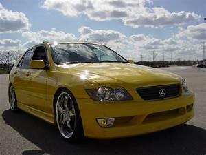 2001 Lexus Is 300 - Overview