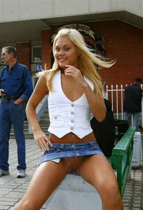 sporty blonde with beautiful piercing flashes her boobs near cheap bar russian sexy girls