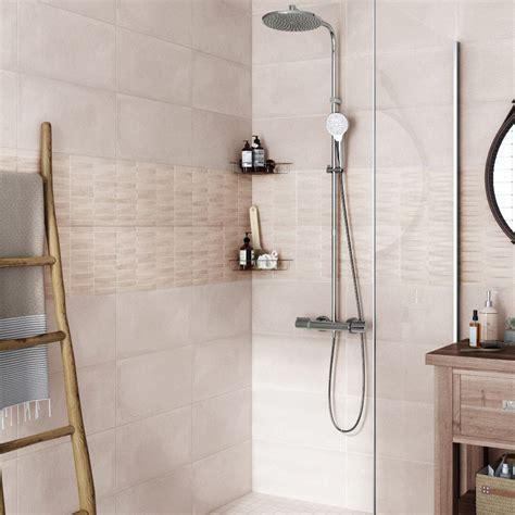 carrelage pour cr馘ence cuisine leroy merlin carrelage mural salle de bain fabulous top mural une frise en