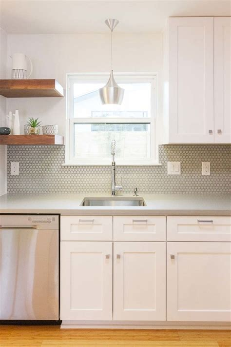 kitchen countertops and cabinets 25 best ideas about tile floors on 4318