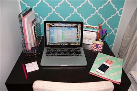 college prep organize  desks