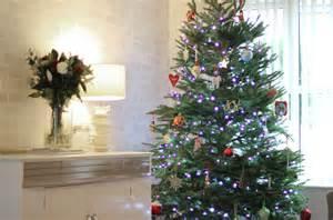 christmas tree decorating wreath making fashion beauty and lifestyle blog uk northern