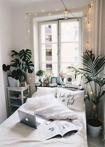 15, Fascinating, Bedrooms, With, Plants, That, Look, Like, A, Jungle