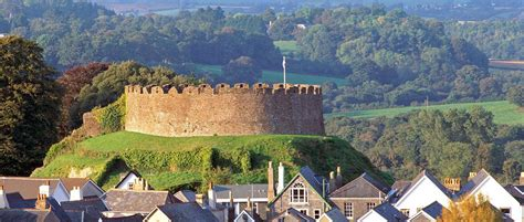 totnes castle torquay  local guide