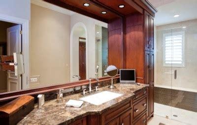 choisir les comptoirs et armoires d une salle de bain