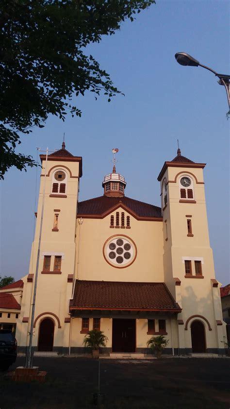 gereja ayam pasar  seputarkota informasi menarik