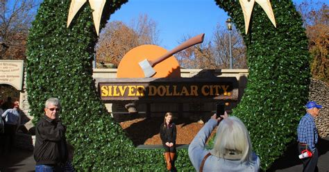 carpetbagger silver dollar city   classic dark