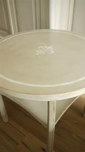 Runder Beistelltisch Weiß : runder beistelltisch im vintage online shop kaufen kw vintage ~ Indierocktalk.com Haus und Dekorationen