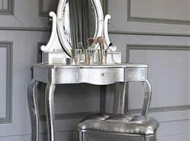 Meuble Pour Se Maquiller : la coiffeuse un meuble 100 f minin meuble ~ Dallasstarsshop.com Idées de Décoration