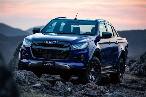 It's the japanese brand's workhorse that's designed to take on any road and any job. 2021 Isuzu D-MAX X-TERRAIN 4x4 Crew Cab (car review ...