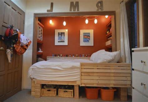 chambre palette cuisine meubles blanc et peinture gris taupe taupe