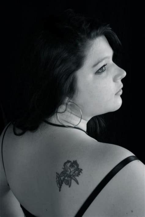 blumen schulter poisenflower tattoos 187 blumen tribal schulter tattoos bewertung de
