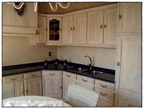renover cuisine en chene renover sa cuisine en chene idées de décoration à la maison