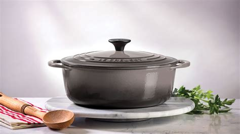 le creuset cast iron shallow  dutch oven  quart oyster cutlery