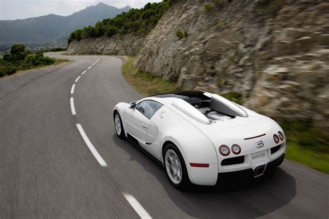 Bugatti Veyron 16.4 Grand Sport Photo Gallery