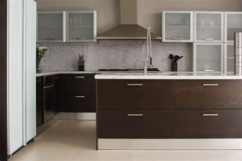 horizontal cabinet hardware  contemporary kitchens