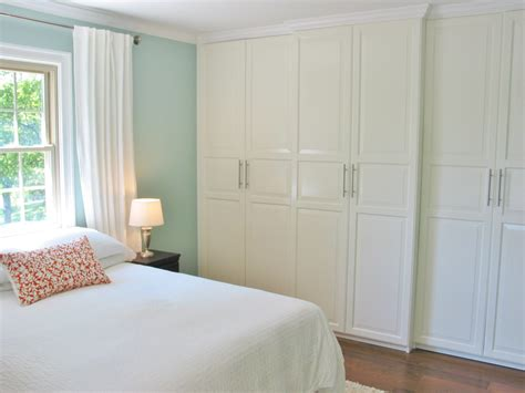 Simple Bedroom Closet Ideas by The Best Way Of Decorating Master Bedroom With Walk In