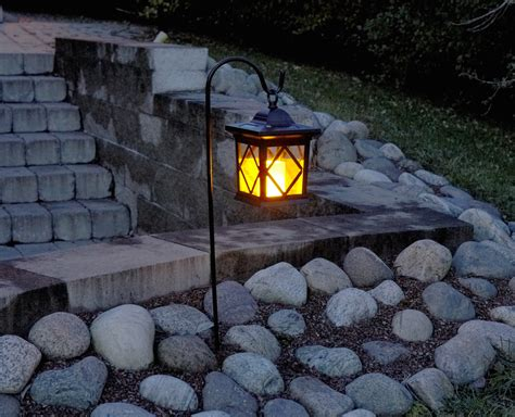 Solar Lamp Posts For Driveways by Garden Solar Lighting Ideas And Tips