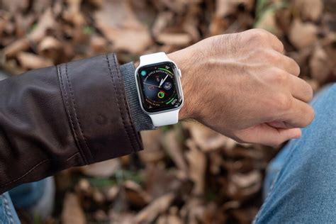 apple grabbed       smartwatch market samsung remains  distant
