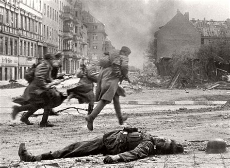 vintage historic photos of the battle of berlin 1945