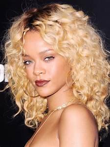 Curly Blonde hairstyles - Women Styler
