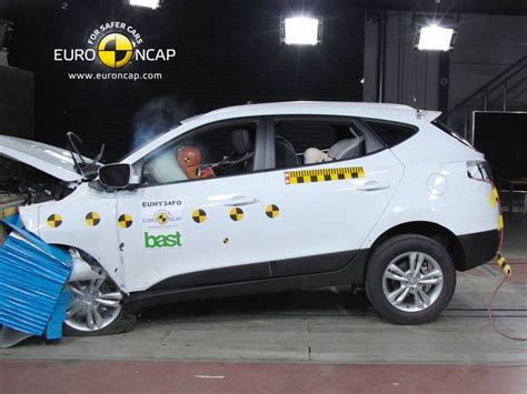 crash test siege auto 0 1 car crash car crash test hyundai