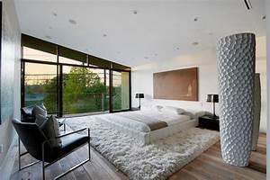105 schlafzimmer ideen zur einrichtung und wandgestaltung for Balkon teppich mit schwarze tapete schlafzimmer