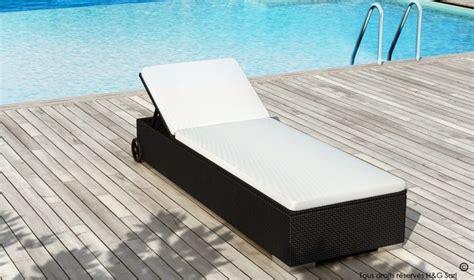 lit de piscine en resine tressee noire multi positions de