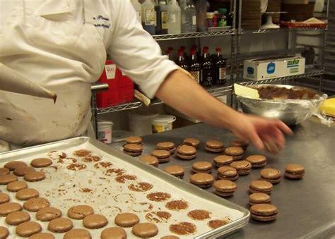 ecole de cuisine de pizza au chocolat le hamburger et le croissant cours de cuisine macarons