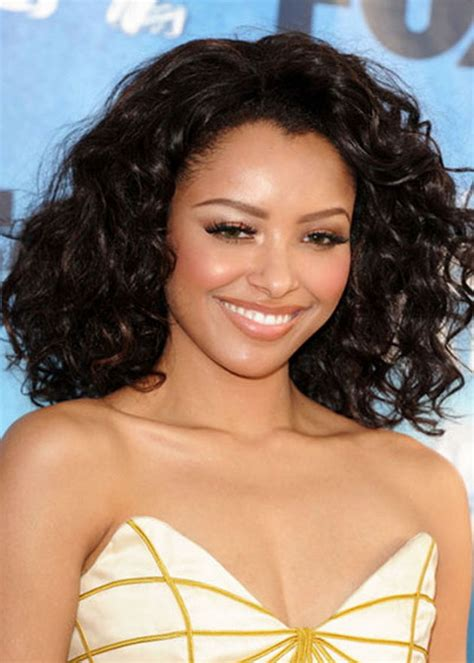 natural curly hairstyles stylish girls  rocking