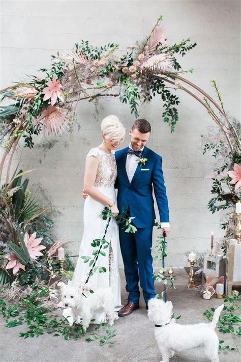 10 unique wedding arch ideas - Under the Moon Elopements