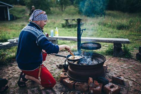 cuisiner au feu de bois helsinki en finlande