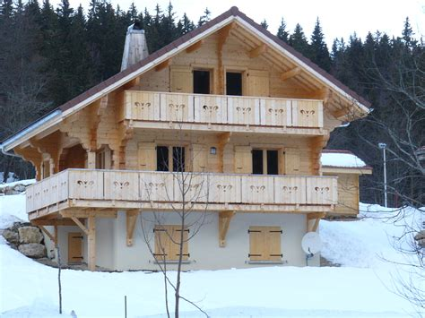 chalet r 233 cent construction traditionnelle id 233 alement plac 233 les rousses jura 10 personnes