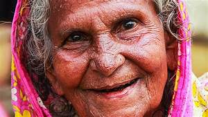 Old Lady Becomes Young And Beautiful Again   Age Reverse
