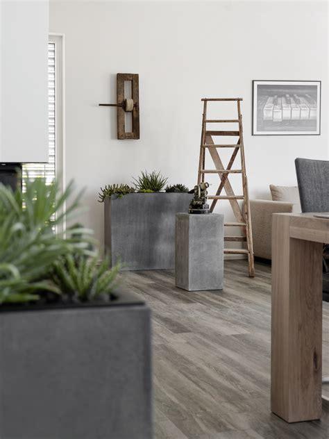 Podest Im Wohnzimmer by Beton Archive Mxliving