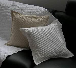 Housse De Coussin 30x30 : housse de coussin boutis blanc feuillage ~ Dailycaller-alerts.com Idées de Décoration