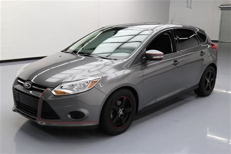 ford focus se hatchback  door  ford focus se