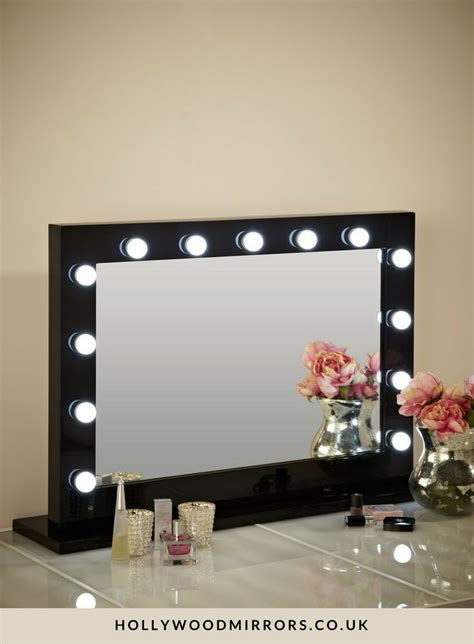 Black Makeup Desk With Lights by 17 Best Ideas About Mirror With Light Bulbs On