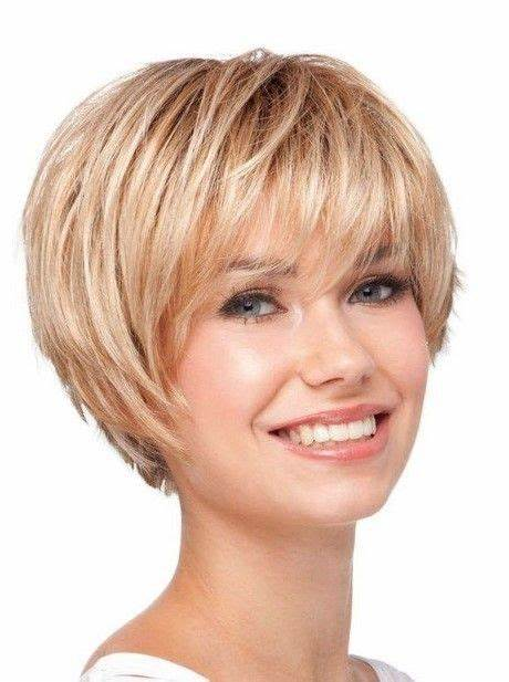Best Short Hairstyles for Women Over 50 To Look Stylish