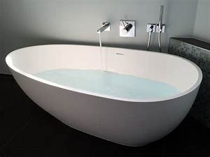 Bilder Freistehende Badewanne : freistehende badewanne luino aus mineralguss wei matt oder gl nzend 169x85x54 oval ei ~ Bigdaddyawards.com Haus und Dekorationen