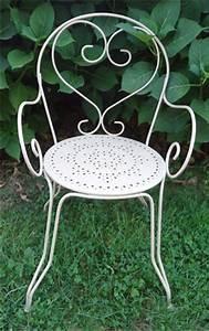 Chaise De Jardin En Fer : fauteuil de jardin en fer ancien ~ Teatrodelosmanantiales.com Idées de Décoration
