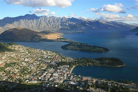 queenstown  zealand conference city